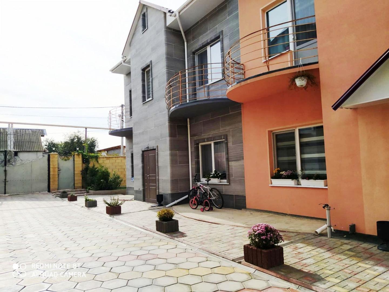 продажа дома номер H-158376 в Суворовском районе, фото номер 1